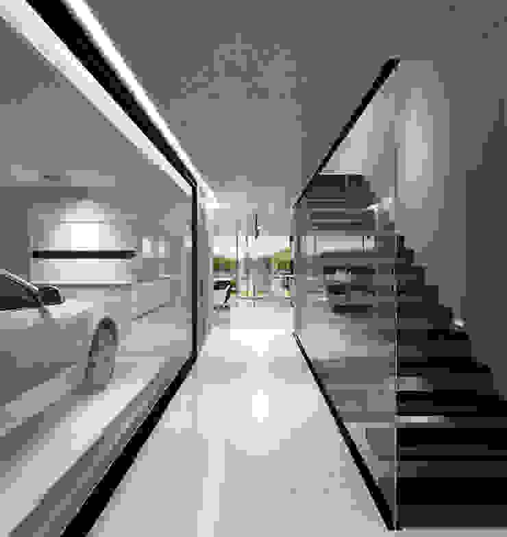 Hall Entrada Corredores, halls e escadas minimalistas por HRA-Lisboa Minimalista