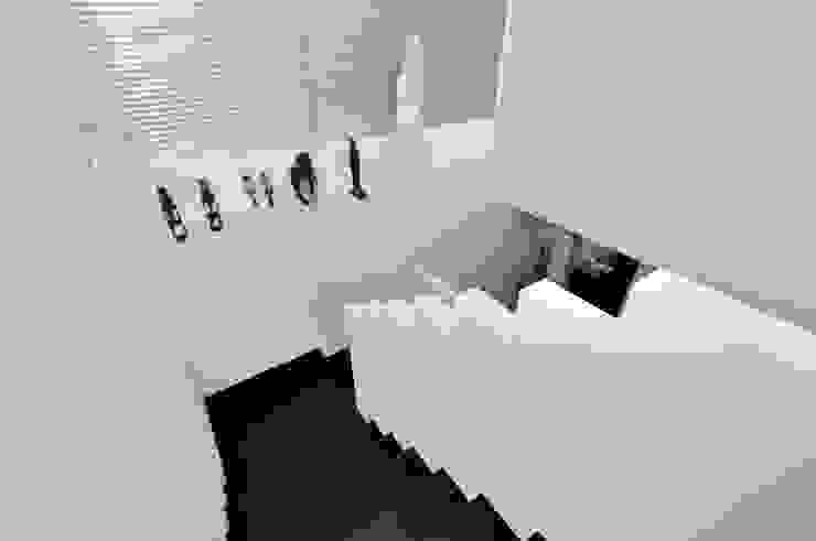 Landhaus Bonstetten Flur, Diele & Treppenhaus im Landhausstil von kunz architekten Landhaus