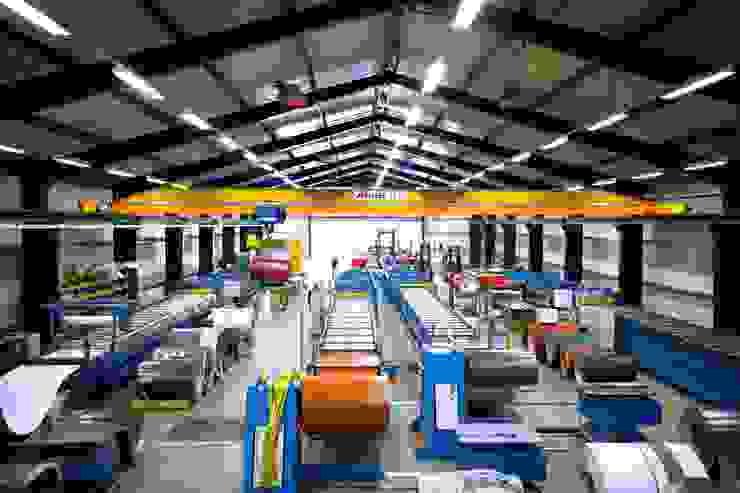 Productiehal 1 - profielplaten van HMG Benelux