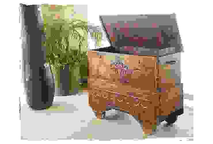 Potpourri de muebles importados de Opiusly Ecléctico