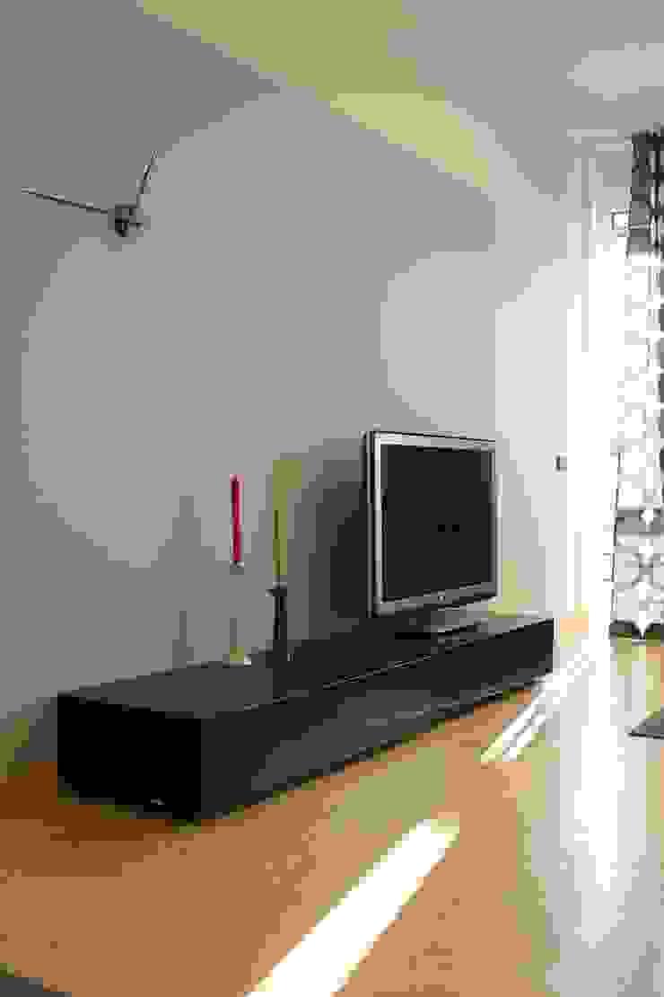 Квартира по финским лекалам Гостиная в скандинавском стиле от Format A5 Fontanka Скандинавский