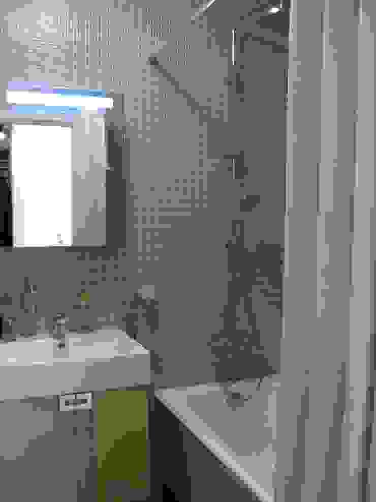 Квартира по финским лекалам Ванная комната в скандинавском стиле от Format A5 Fontanka Скандинавский