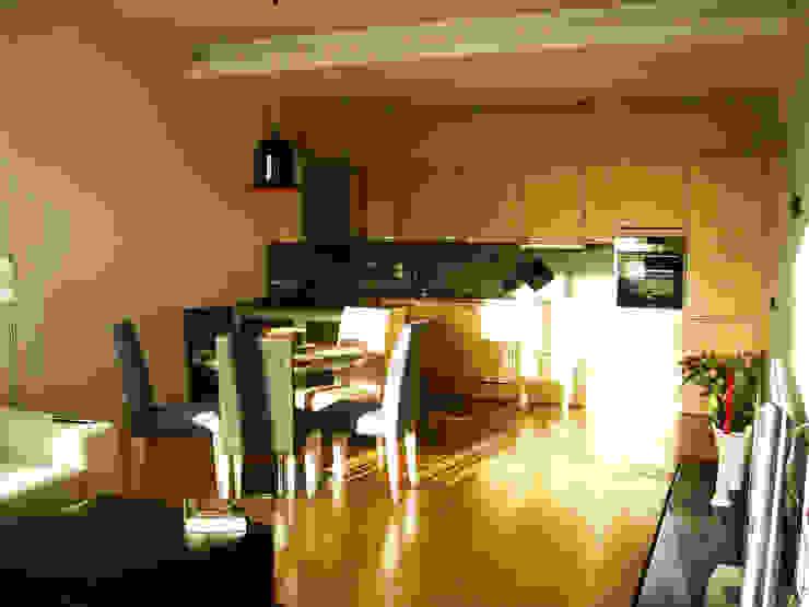 Квартира по финским лекалам Кухня в скандинавском стиле от Format A5 Fontanka Скандинавский