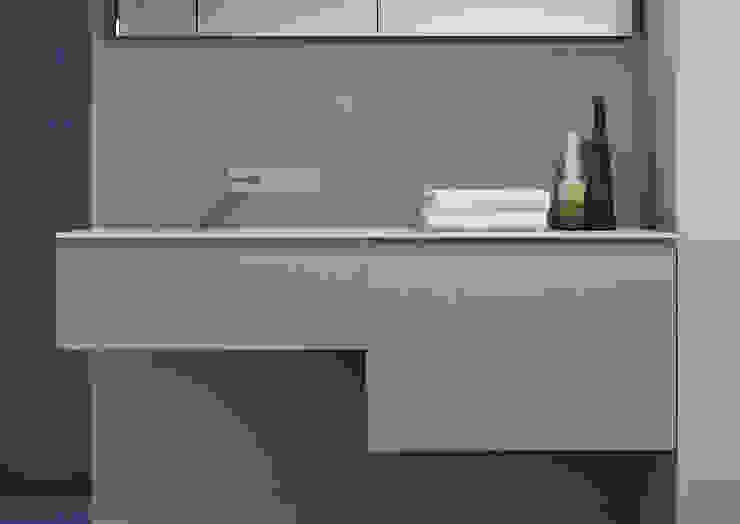 CUBIC Bathroom : modern  by ALM Design , Modern