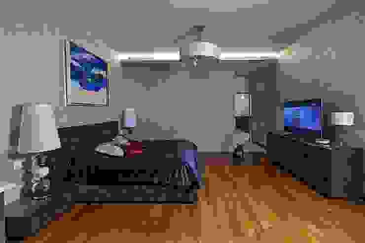 Жизнь в ярких цветах Спальня в стиле модерн от дизайн студия 'LusiSarkis ' Модерн