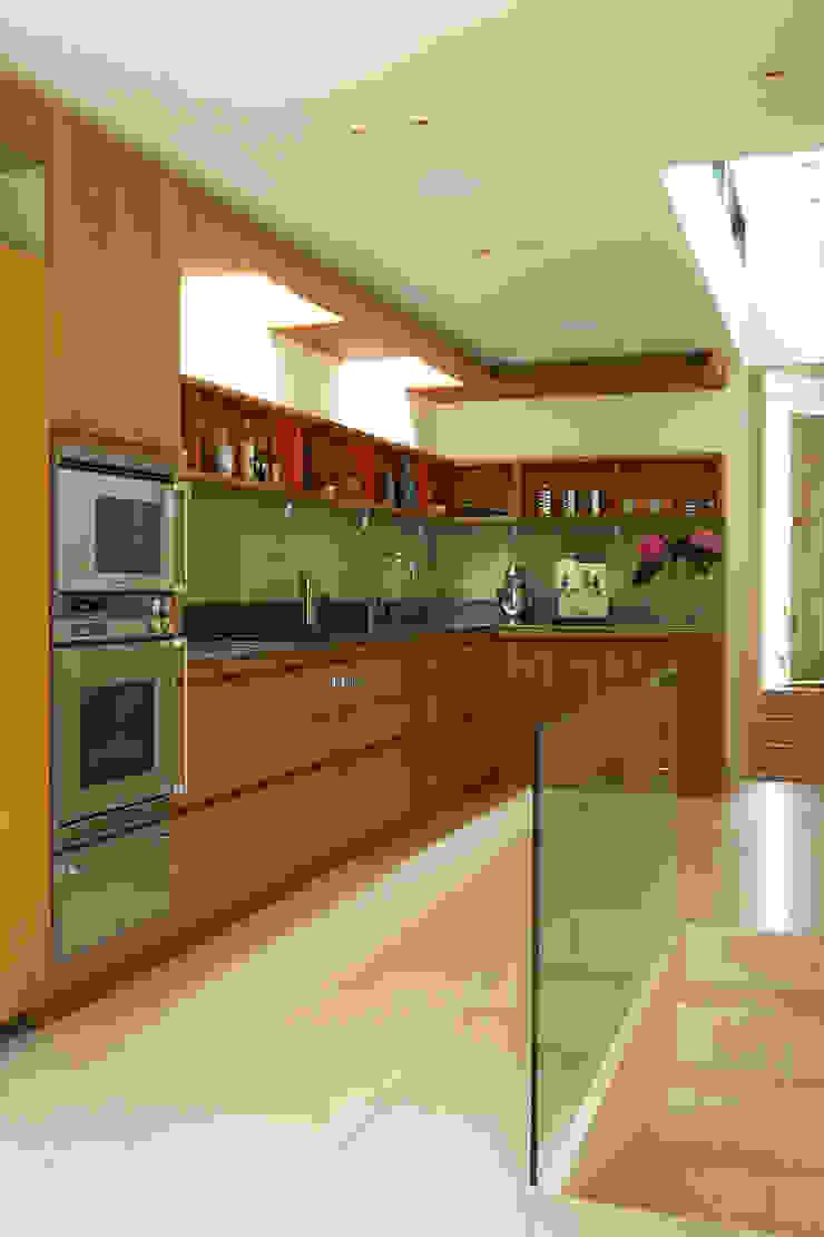 Canonbury House - 4 Minimalist kitchen by Jonathan Clark Architects Minimalist