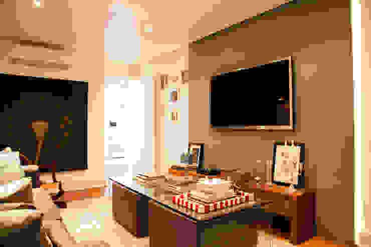 apartamento itaim Salas multimídia modernas por Arquitetura Juliana Fabrizzi Moderno