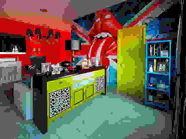 Квартира в стиле поп-арт Гостиная в стиле модерн от Студия дизайна интерьера Маши Марченко Модерн