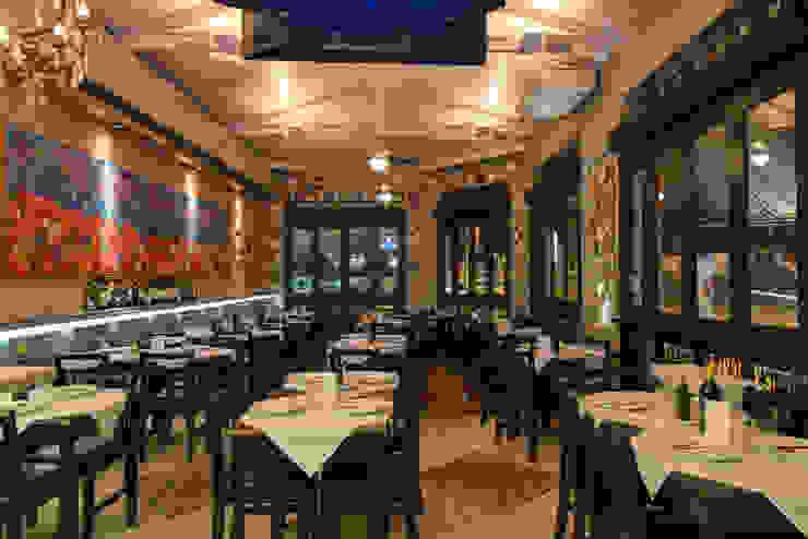espaço interno de refeições Espaços gastronômicos ecléticos por Arquitetura Juliana Fabrizzi Eclético
