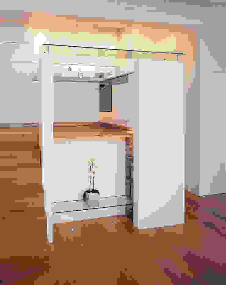 Little Venice Apartment - 2 Minimalist kitchen by Jonathan Clark Architects Minimalist