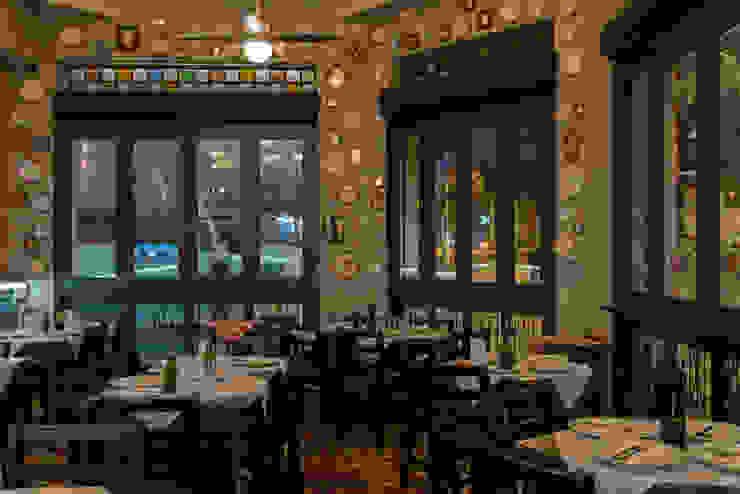 Locales gastronómicos de estilo  por Arquitetura Juliana Fabrizzi, Ecléctico