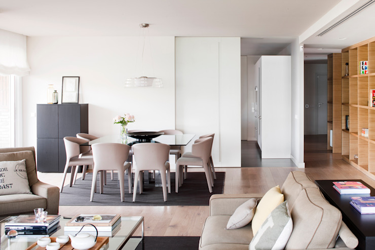 Minimalist dining room by A! Emotional living & work Minimalist