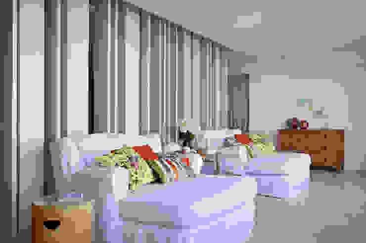 Residência Vieira Souto Varandas, alpendres e terraços modernos por Bezamat Arquitetura Moderno