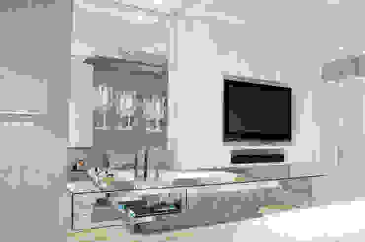Suíte Casal - Casa Cor PR 2009 Quartos modernos por Rolim de Moura Arquitetura e Interiores Moderno