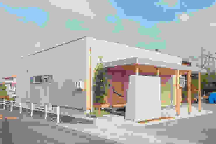 内田建築デザイン事務所 Casas de estilo ecléctico