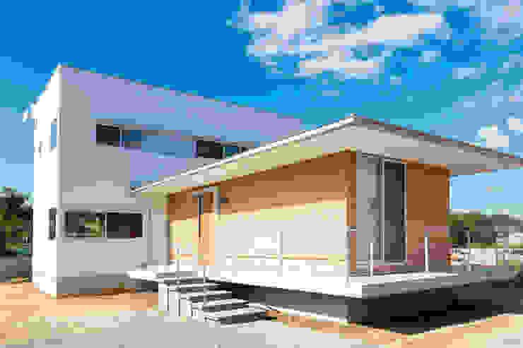 Rumah Modern Oleh 内田建築デザイン事務所 Modern