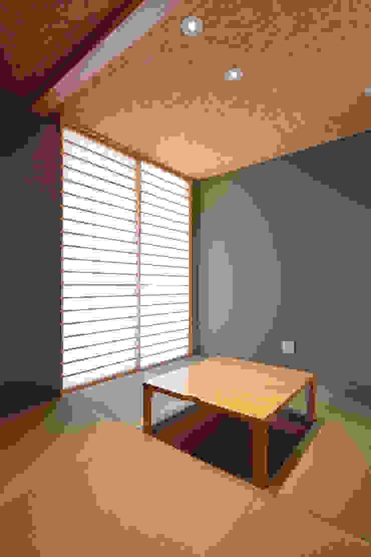 和室 オリジナルデザインの 多目的室 の 内田建築デザイン事務所 オリジナル