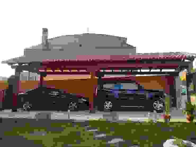 Carport by Pergomadera Pérgolas y Porches de madera, Classic