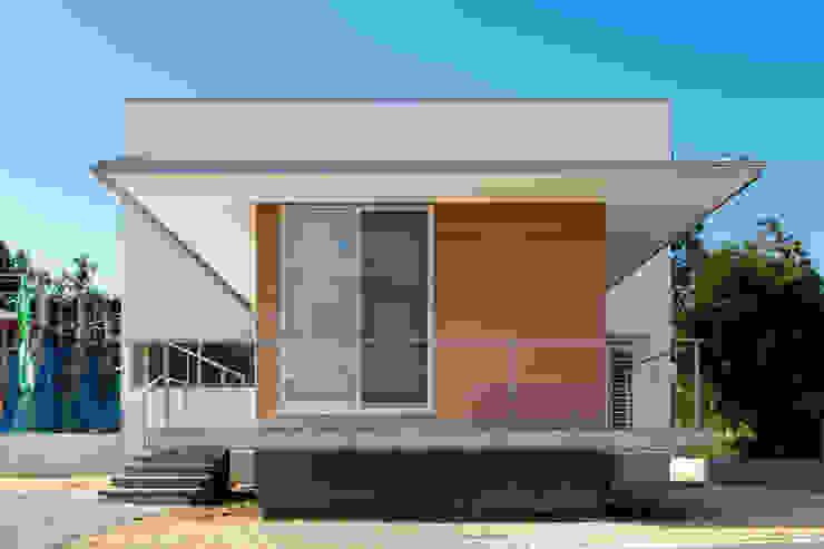 外観 モダンな 家 の 内田建築デザイン事務所 モダン