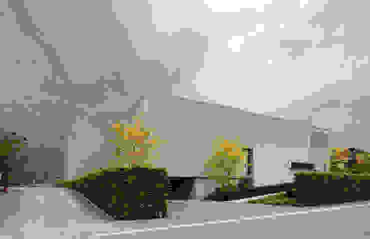 Le cube blanc Maisons minimalistes par Luc Spits Interiors Minimaliste