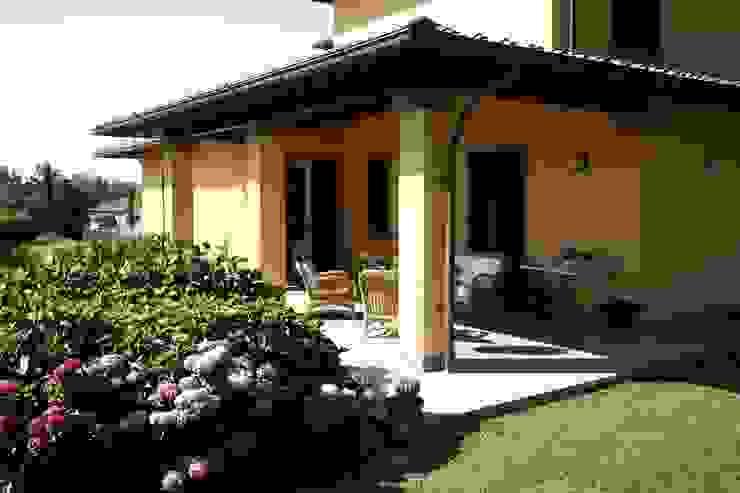 Varandas, alpendres e terraços clássicos por Studio Tecnico Fanucchi Clássico