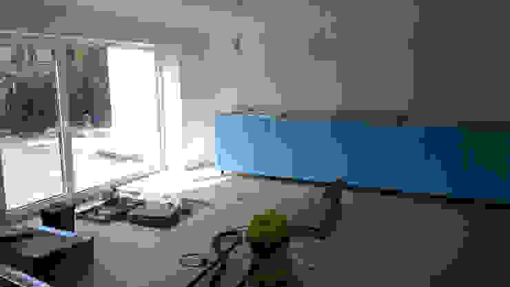 Kuchnia w garażu - Jaworzno - Krok 5: styl , w kategorii  zaprojektowany przez Bednarski - Usługi Ogólnobudowlane,
