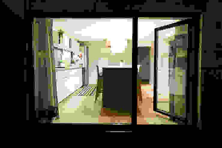 Kuchnia w garażu - Jaworzno - Stan obecny: styl , w kategorii  zaprojektowany przez Bednarski - Usługi Ogólnobudowlane,