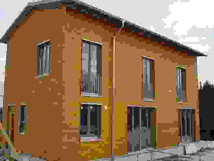 Modern und naturnah: Haus aus Holz Einfamilienhaus in der Eifel, Mendig Skandinavische Fenster & Türen von PELL Architekten Skandinavisch