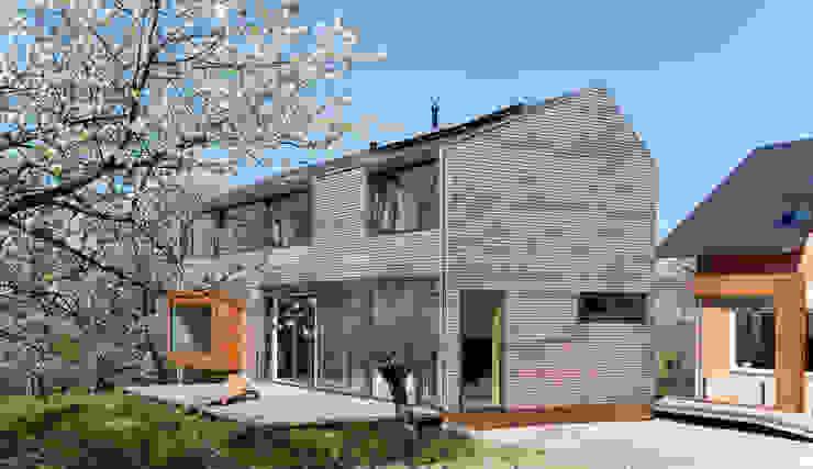 Kirschblütenhaus Moderne Häuser von René Lamb Fotodesign GmbH Modern