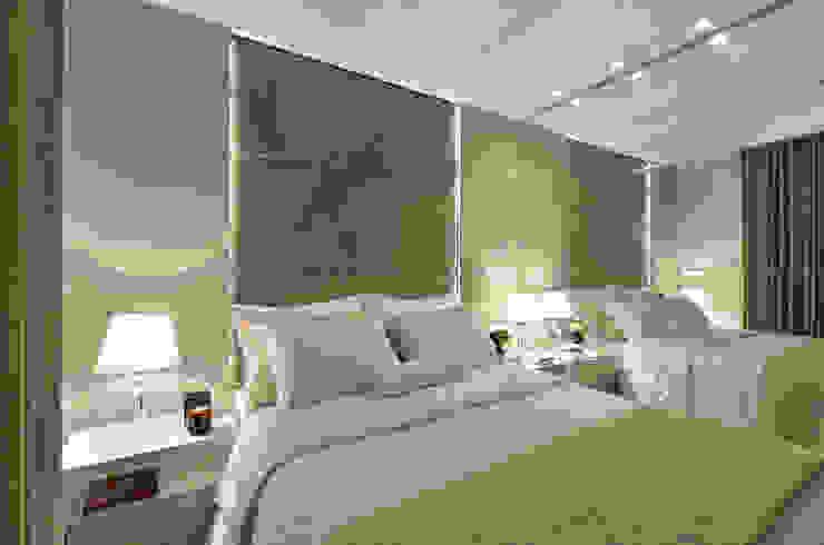 Suite casal J|R Quartos clássicos por Redecker + Sperb arquitetura e decoração Clássico