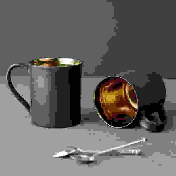 Metallic Bronze Ceramic Tea Mugs by Nom Living Iндустріальний