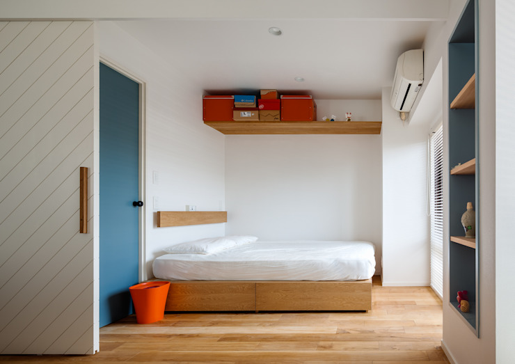 A residence in Shibuya sorama me Inc. Eclectic style bedroom