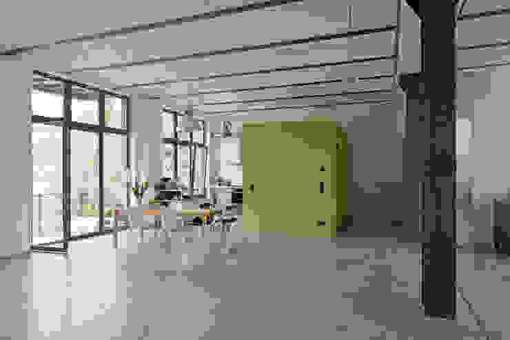 미니멀리스트 다이닝 룸 by studioinges Architektur und Städtebau 미니멀