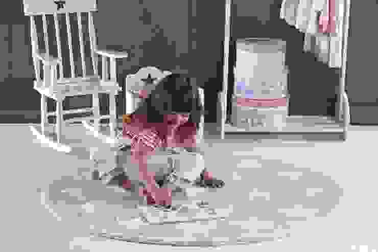 Dywan okrągły w gwiazdy - miejsce do zabawy i dekoracja pokoju Skandynawski pokój dziecięcy od Sklep Internetowy Kiddyfave.pl Skandynawski