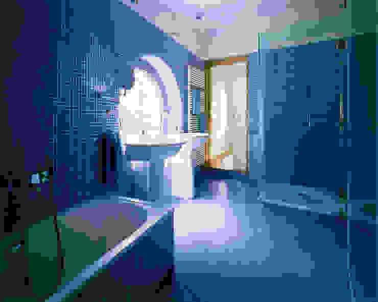 Haus F Moderne Badezimmer von Architekt Daniel Fügenschuh ZT GMBH Modern