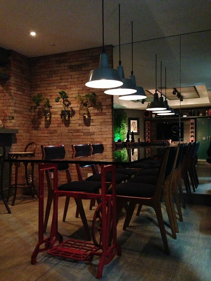 Apartamento GS Salas de jantar industriais por Tellini Vontobel Arquitetura Industrial