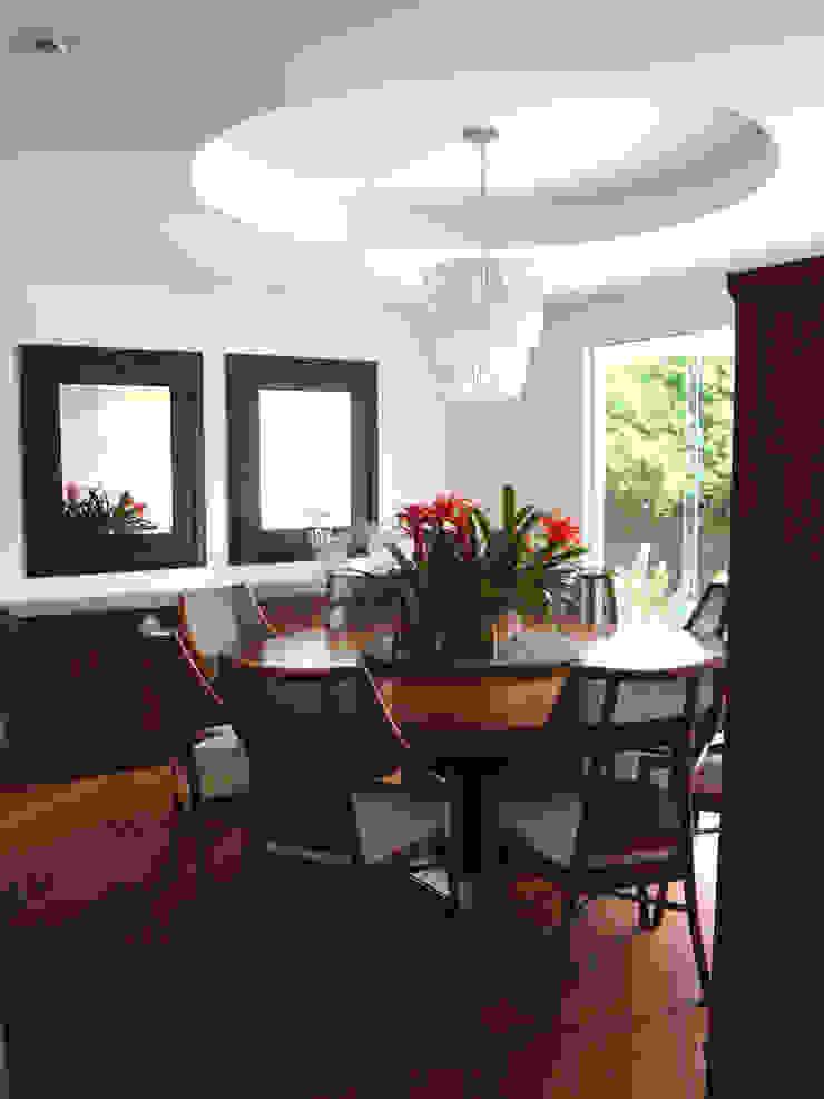 Casa GM Salas de jantar modernas por Roesler e Kredens Arquitetura Moderno