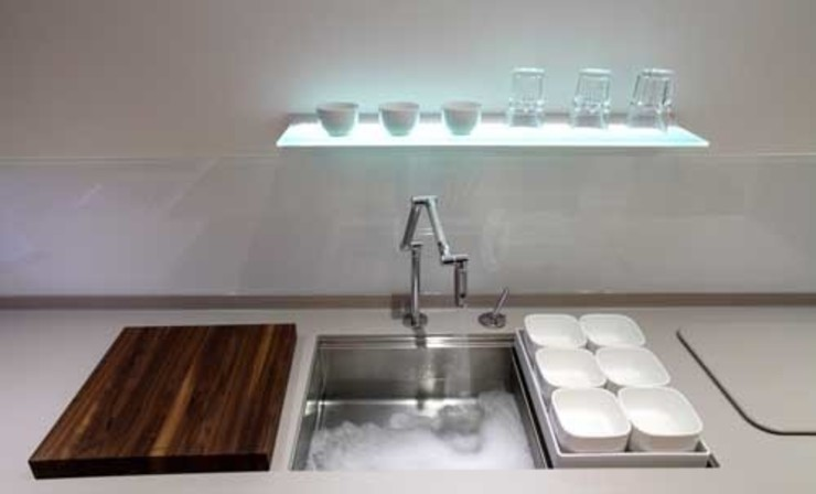 utility sink and modern tap: modern  by John Ladbury and Company, Modern