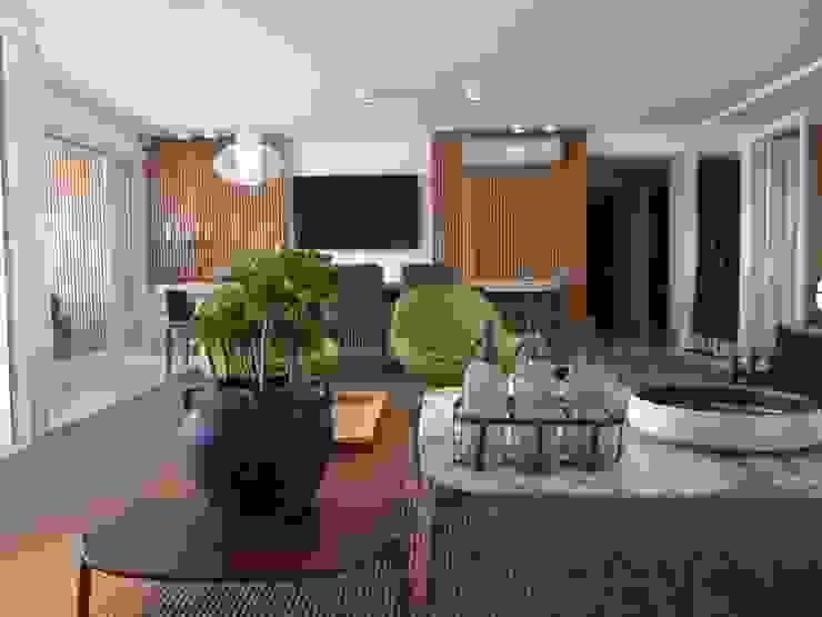 Apto PDE: Salas de jantar  por Tellini Vontobel Arquitetura