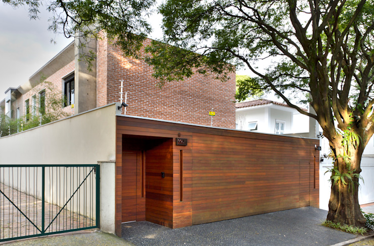 Modern houses by PAULA BITTAR ARQUITETURA Modern