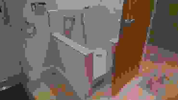 Dog shower Modern corridor, hallway & stairs by Inspire Audio Visual Modern