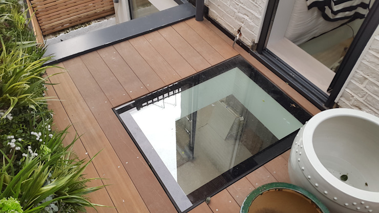 Walk On Glass by MDM GLASS LTD Modern