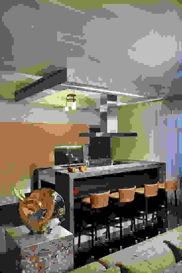 Стойка бара и кухонные шкафы от Baydyuk Design Company Минимализм