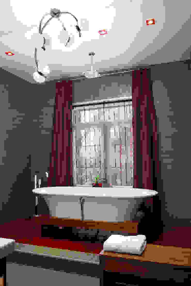 Ванная комната дочери от Baydyuk Design Company Минимализм