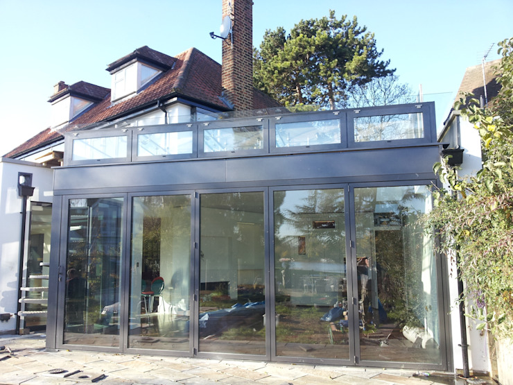 Glass Extension Modern balcony, veranda & terrace by MDM GLASS LTD Modern