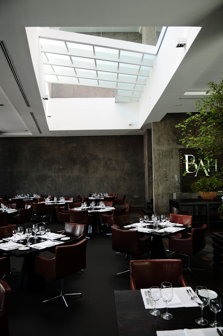 BAH! Restaurante Espaços gastronômicos modernos por Tellini Vontobel Arquitetura Moderno