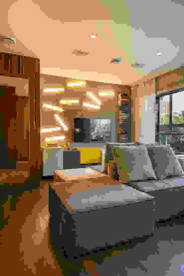 Ruang Keluarga Minimalis Oleh Studiodwg Arquitetura e Interiores Ltda. Minimalis