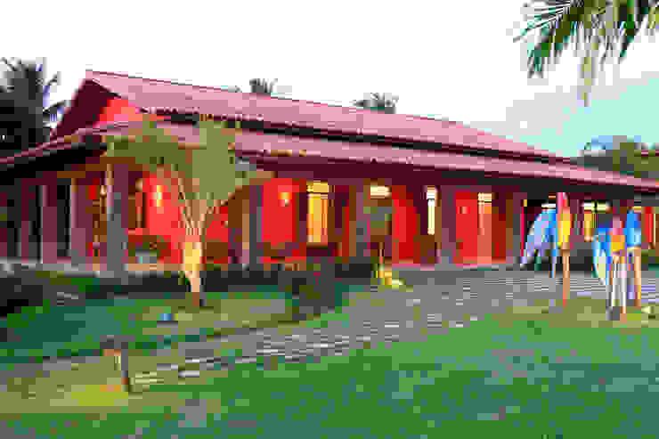 Casa Vermelha Varandas, alpendres e terraços campestres por Andréa Calabria Arquitetura Campestre