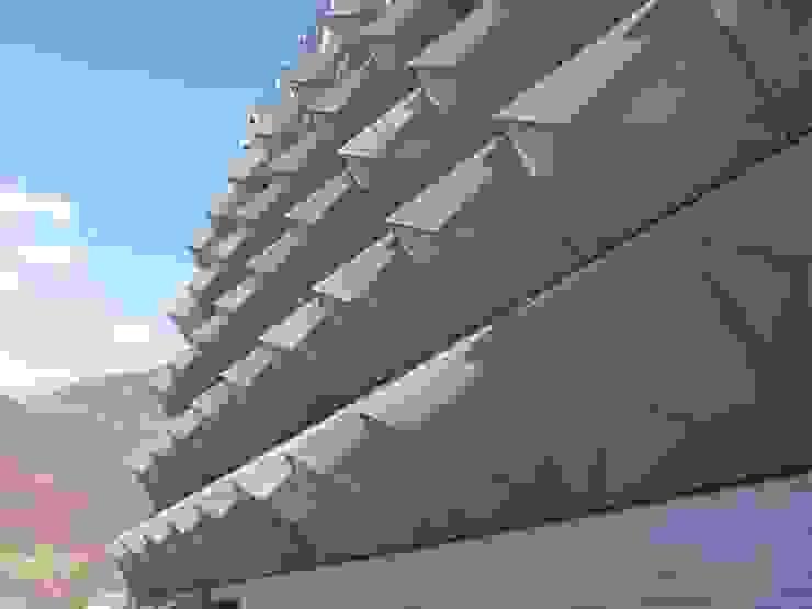 Moderne Häuser von Tessitura Tele Metalliche Rossi Modern