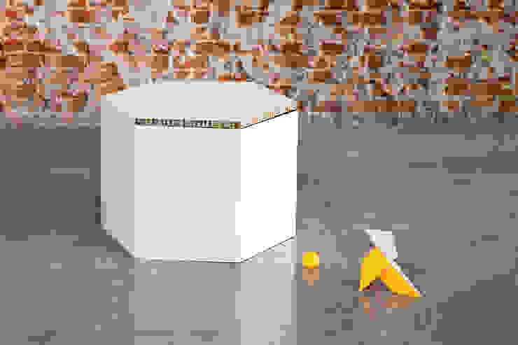 HEXA taburete de carton de CARDBOARD FURNITURE AND PROJECTS Moderno